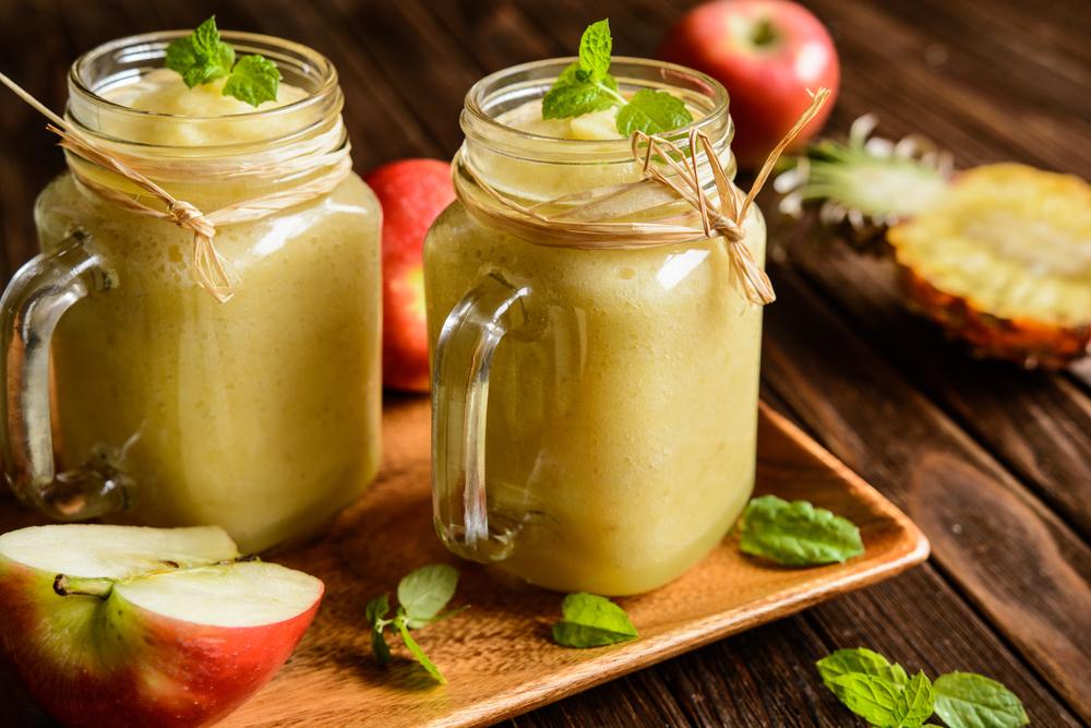 смузи с яблоком и ананасом