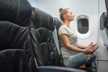 Долгий перелет: 5 способов провести время с пользой и удовольствием