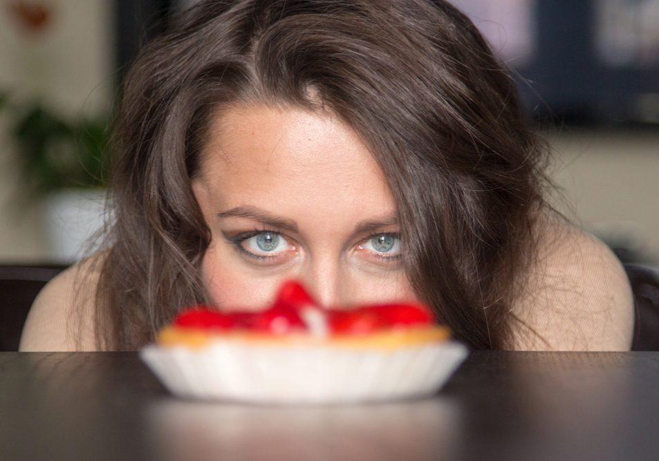 """Нездоровые """"отношения"""": зависимость от еды"""